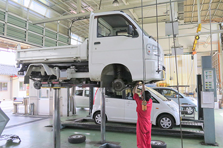 長谷川自動車高岡西店